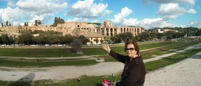 300.000 people fit in the Circus, and there is the Palatine too